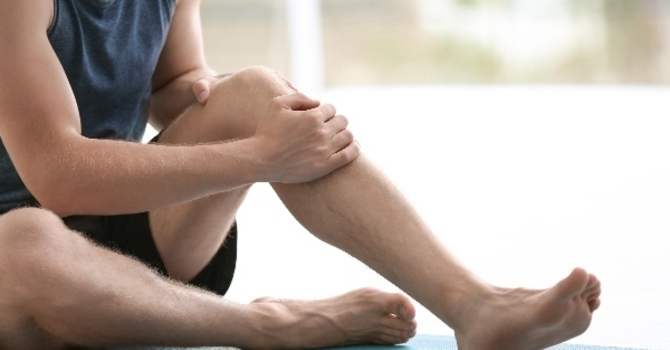 KNEE STRETCHES TO PREVENT FUTURE SPORTS INJURIES